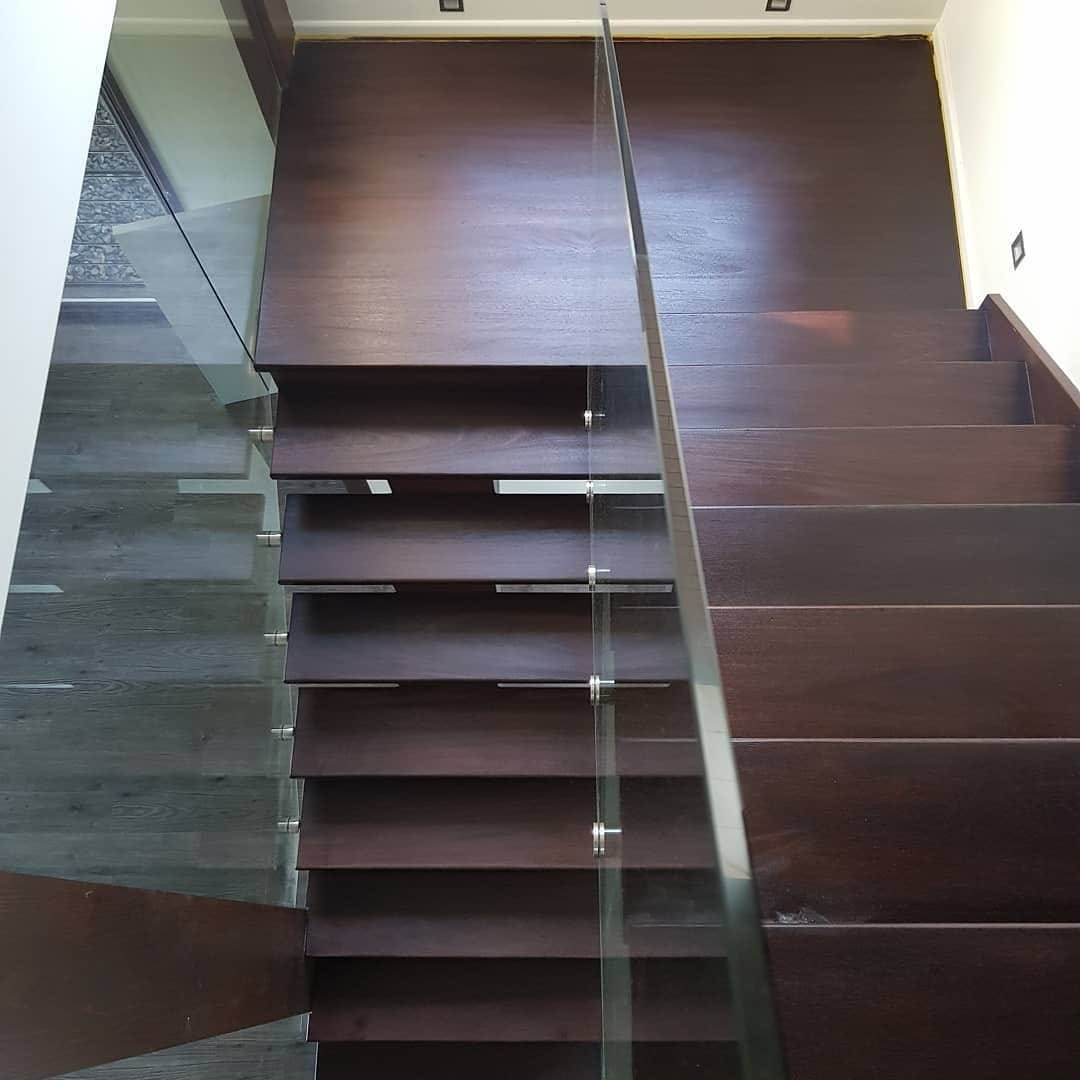 Stairs sanding and polishing